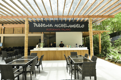 Pizzeria Michelangelo Ristorante Italiano with its dining area and service area